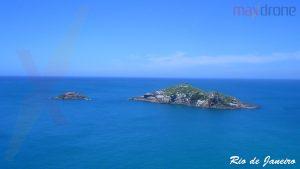 Belas ilhas na região dos Lagos - RJ